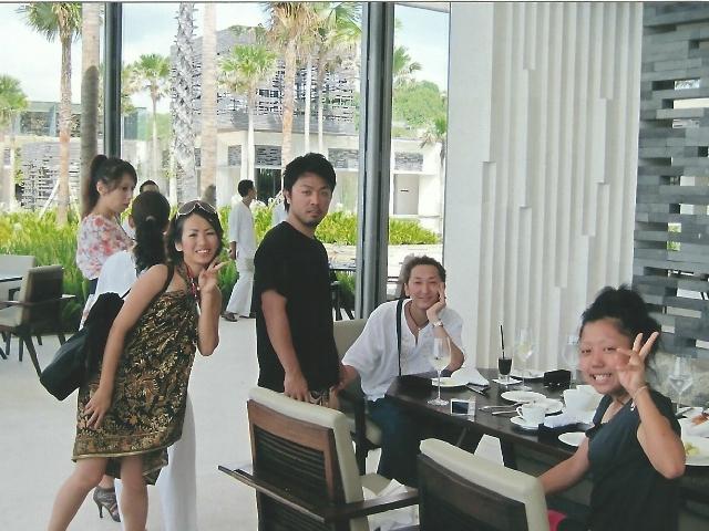 沖縄県那覇市有限会社ドリームエントランスの求人、仕事紹介サイトの海外研修(シンガポール)画像10です。
