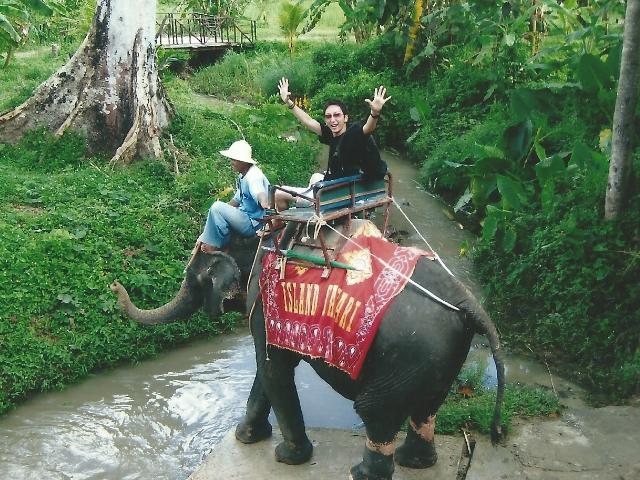 沖縄県那覇市有限会社ドリームエントランスの求人、仕事紹介サイトの海外研修(タイ)画像1です。