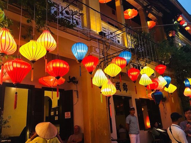 沖縄県那覇市有限会社ドリームエントランスの求人、仕事紹介サイトの海外研修(ベトナム)画像8です。